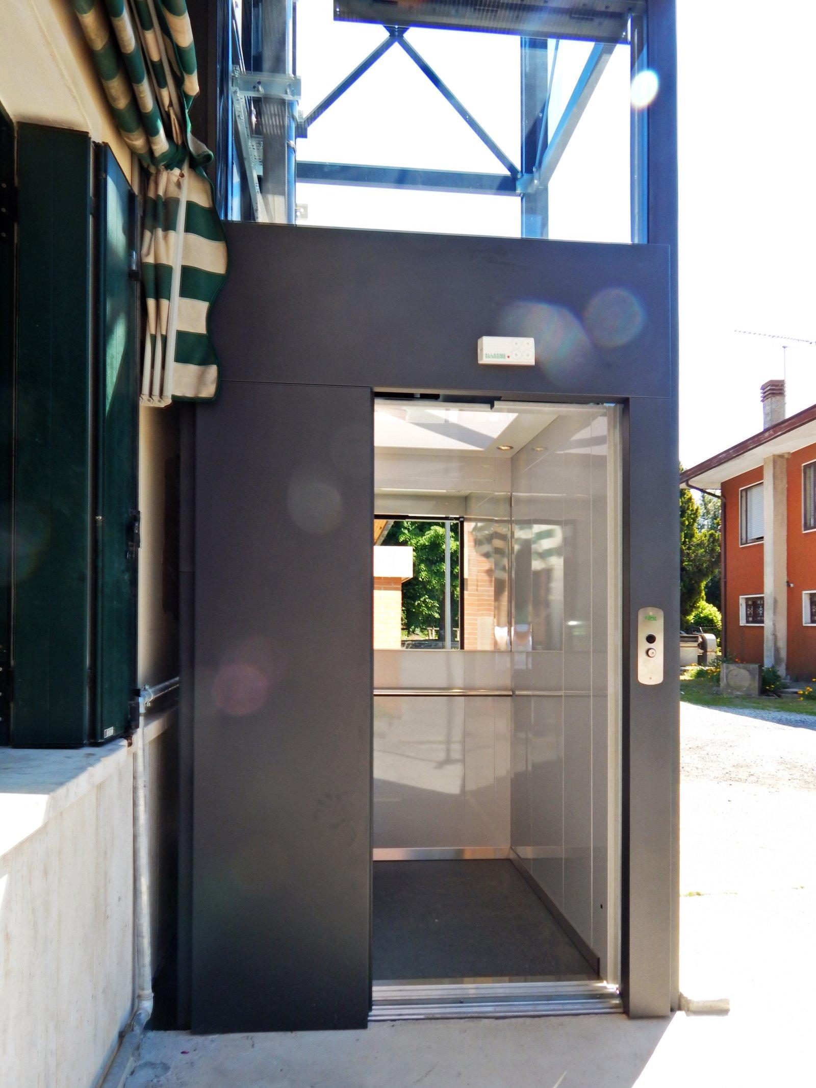 Installazione ascensore esterno a monselice - Ascensore in casa ...