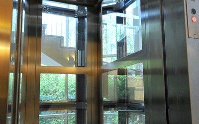 Nice Installazione E Manutenzione Raffinato Ascensore Panoramico In Elegante  Condominio ...