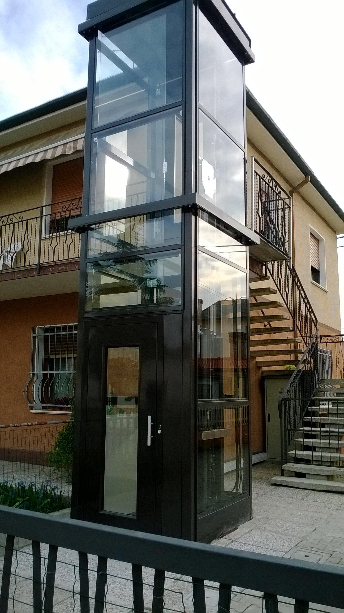 Installazione ascensore esterno domestico a copparo for Piani di ascensore domestico